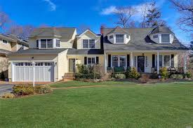 100 Houses For Sale Merrick NYC 4 Bedroom House For