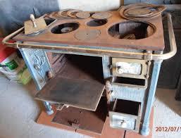 table de cuisine ancienne en bois table de cuisine ancienne en bois 3 ancienne cuisiniere a