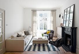 kleines wohnzimmer in schwarz weiß mit bild kaufen