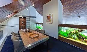 aquarium im inneren einer wohnung oder eines hauses 50