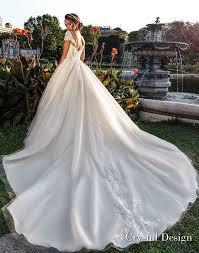 "Crystal Design 2018 Wedding Dresses — ""Royal Garden"" & Haute Couture"