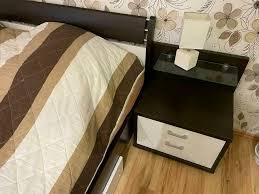 schlafzimmer schrank sideboard bett weiß dunkelbraun