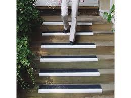 revêtement antidérapant escalier nez de marche antidérapant