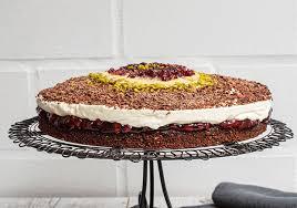 einfache schoko nuss torte mit preiselbeeren ohne mehl