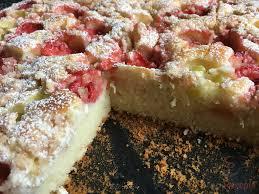 saftiger erdbeer rhabarber kuchen mit quark