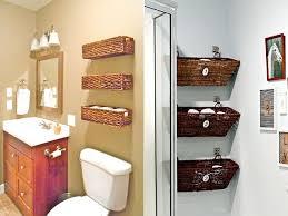 bad in ordnung halten und badetücher organisieren
