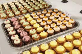 Cupcake Sthlm Forsedde Festen Med Fargglada Sma Cupcakes Och I Goodiebagen Aterfanns Bland Annat Presentkort Pa En Gratis Resa Privatchaufforbolaget