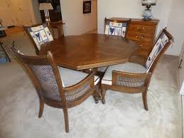 Lot #99 - Vintage Wood Dining Or Game Playing Table W/Claw ... Fniture Unbelievable Cool Seagrass Ding Chairs With Rh Modern Homepage Leikela Papaya Medley Tropical Set Round Table For 6 Visual Hunt Room Walker Las Vegas Bernhardt Club Room Ideas Five Piece Gaming Lifttop And Chair By Hillsdale Welcome Dinettes Unlimited Interior Design Ideas House Of Hipsters Padmas Plantation Sandspur Beach Arm Casters Chalk Paint Kitchen