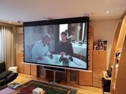 schwarzwald wohnzimmer kino mit zwei zonen modern