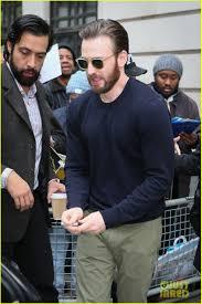 Chris Evans Elizabeth Olsen Promote Captain America 023639779