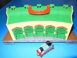 thomas friends take along 5 door tidmouth shed turntable