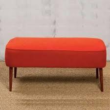 chehoma canapé un salon classique chic avec un grand canapé bleu quand platner