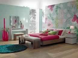 tapisserie chambre fille ado chambre ado fille avec tapisserie motif bois et beaucoup de