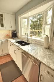 Kitchen Curtain Ideas Above Sink by Best 25 Kitchen Bay Windows Ideas On Pinterest Bay Window In