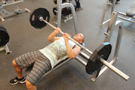 Bench closed grip bench Close Grip Barbell Bench Press Exercise