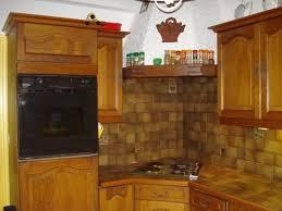 refaire plan de travail cuisine carrelage recouvrir carrelage cuisine plan de travail peindre plan de travail