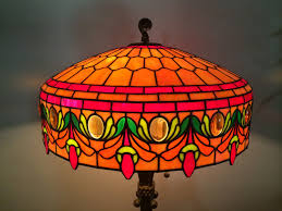 Tiffany Style Lamp Shades by Make A Tiffany Lamp 1 Of 5 Youtube
