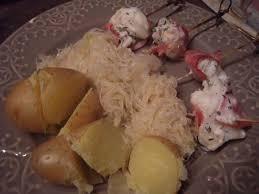 quel dessert avec une choucroute brochette de lotte a la choucroute d ete recette ptitchef