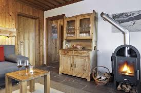 wohnzimmer mit holzofen wohnung 4 bild ferienhauser