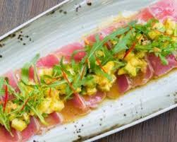 cuisiner thon frais recette de carpaccio pas cher de thon frais à la mangue et à l avocat