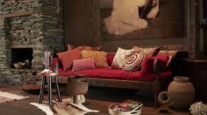 canap style colonial canapé un intérieur coloré westwing