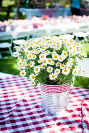 EASY Summer Entertaining Centerpiece Table Idea Can Ribbon And Inexpensive Wild Flowers Love