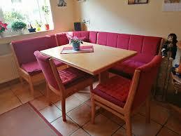 truheneckbankgruppe mit ausziehbaren tisch zwei