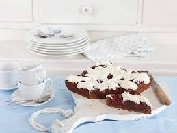 schoko kirsch kuchen mit cheesecake frosting