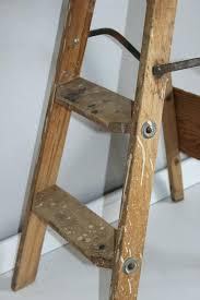 Vintage Wooden Step Stool – Yaarletsgo.com