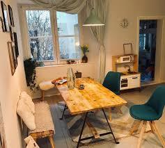 bequeme essküche in berliner apartement wohnung esszimmer