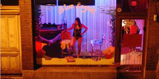 prostitution faire pression sur les propriétaires de carrées