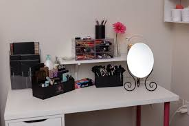 Makeup Vanity Desk With Lighted Mirror by Furniture Let It Realize Your Princess Dream With Pretty Makeup
