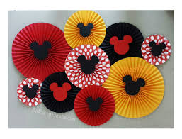 Mickey And Minnie Mouse Bath Decor by Best 20 Mickey Mouse Backdrop Ideas On Pinterest Fiesta Mickey