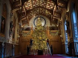 See The Queens Beautiful 20ft Christmas Tree