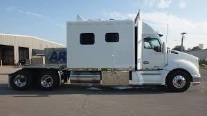 Elegant Semi Truck With Bathroom - Modern Design Models