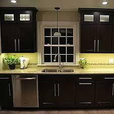 kitchen cabinet lighting using warm white led lights