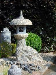 lanterne japonaise en granit106cm déco d ici et d ailleurs