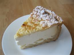 cheesecake with apples and streusel quarkkuchen mit