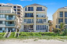100 Absolute Beach Front Beachfront Apartment Nothing But The Sand Palm