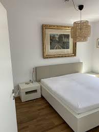 hülsta schlafzimmer bett 2xkommoden u 1xmatratze elumo weiß beige