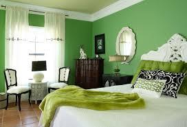 schlafzimmer inspiration mit wandfarbe grün im barock