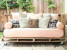 idée de canapé idee deco terrasse canape palette en bois terrasse terrace