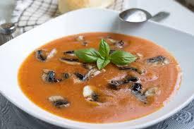 tomatensuppe mit pilzen