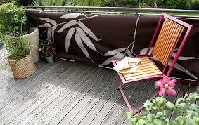 balkonverkleidung aus kunststoff holz bambus glas