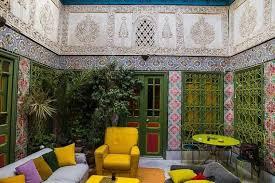 chambre bleue tunis a la rencontre de sondes belhassen artiste qui a élu domicile à la