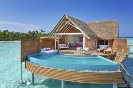 chambre sur pilotis maldives piscine sur pilotis milaidhoo maldives villa sur pilotis yty