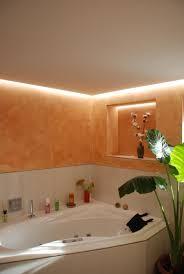kalkputz im bad mit led beleuchtung der gestaltungsmaler