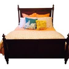 Macys Bed Frames by Macy U0027s Leather Sofa Lounge Chair Aptdeco