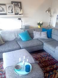 sofa ikea blau wohnzimmer ikea blaue kissen grau teppich