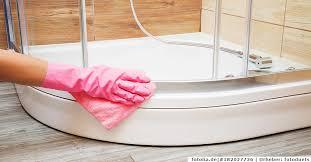 badezimmer putzen tipps für den rundumschlag merbeck